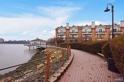 Edgewater Condo/Townhouse For Sale: 12 Grand Cove Way #12
