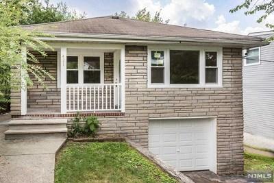 Hackensack Single Family Home For Sale: 421 Thompson Street