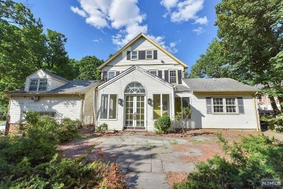 Bergen County Single Family Home For Sale: 979 Closter Dock Road