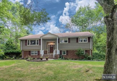 Wyckoff NJ Single Family Home For Sale: $599,000