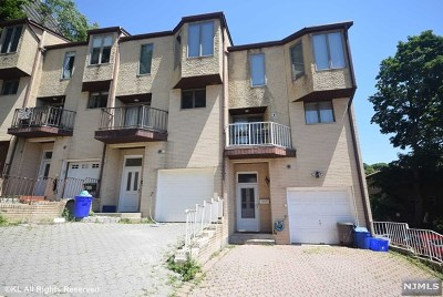 Edgewater Condo/Townhouse For Sale: 17 Veterans Way