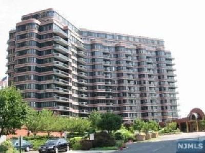 Cliffside Park NJ Condo/Townhouse For Sale: $649,000