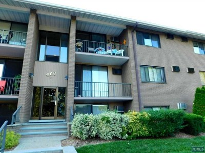 Little Ferry Condo/Townhouse For Sale: 468b Liberty Street #108