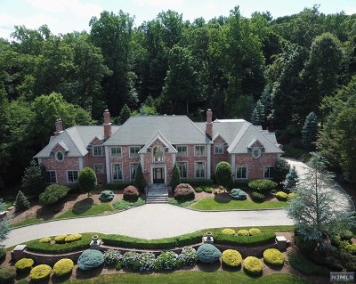 Mahwah Single Family Home For Sale: 64 Brams Hill Drive