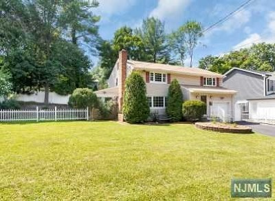 Waldwick Single Family Home For Sale: 96 Sheridan Avenue