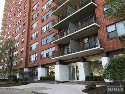 Union City Condo/Townhouse For Sale: 500 Central Avenue #212