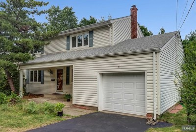 Paramus Single Family Home For Sale: 51 Ardale Road