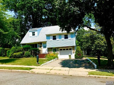 Teaneck Single Family Home For Sale: 91 Howland Avenue