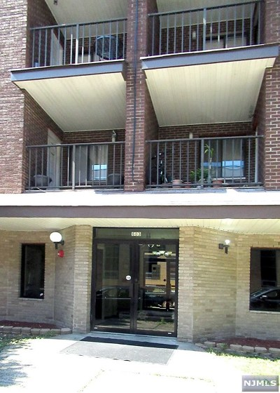 West New York Condo/Townhouse For Sale: 603 55th Street