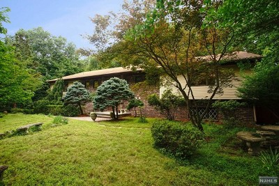 Wayne Single Family Home For Sale: 35 Cherrywood Drive