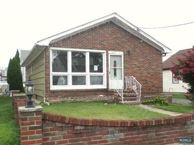 Saddle Brook Single Family Home For Sale: 19 Harrison Avenue