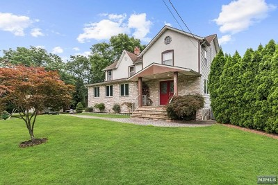 Paramus Single Family Home For Sale: 178 Linwood Avenue