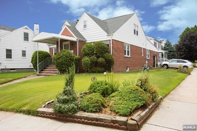 Hasbrouck Heights Single Family Home For Sale: 19 Boulevard