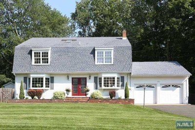 Franklin Lakes Single Family Home For Sale: 995 Pines Terrace