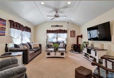 Midland Park Single Family Home For Sale: 44 Hillside Avenue