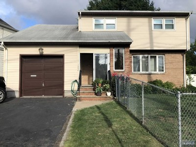 Secaucus Single Family Home For Sale: 1440 Paterson Plank Road