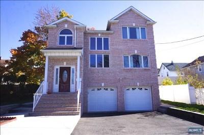 Lyndhurst Single Family Home For Sale: 10 Jackson Place