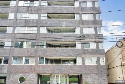 Cliffside Park Condo/Townhouse For Sale: 364 Palisade Avenue #4c