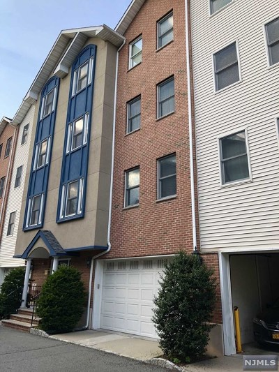 Union City Condo/Townhouse For Sale: 620 38th Street #506