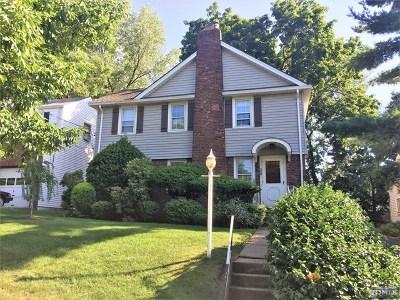 Teaneck Single Family Home For Sale: 340 Demott Avenue