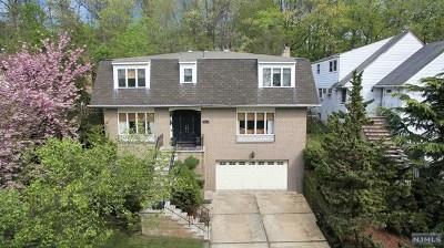 Ridgefield Single Family Home For Sale: 591 Ray Avenue