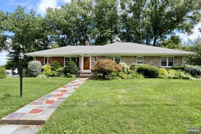 Oradell Single Family Home For Sale: 4 Ackerman Avenue