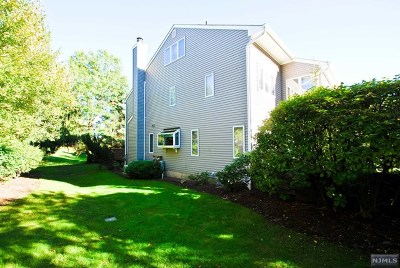 Mahwah Condo/Townhouse For Sale: 12 Litchult Lane