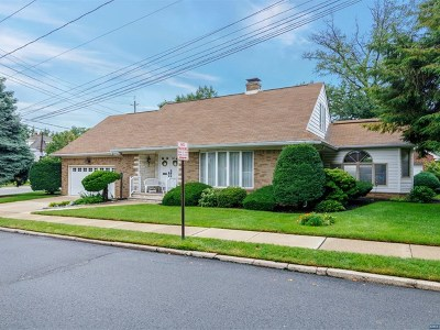 Hasbrouck Heights Single Family Home For Sale: 205 Harrison Avenue