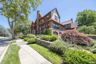 Teaneck Single Family Home For Sale: 963 Lincoln Place