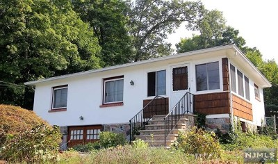 Ringwood Single Family Home For Sale: 198 Cupsaw Drive