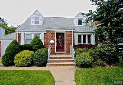 Fair Lawn Single Family Home For Sale: 36-23 Ferry Heights