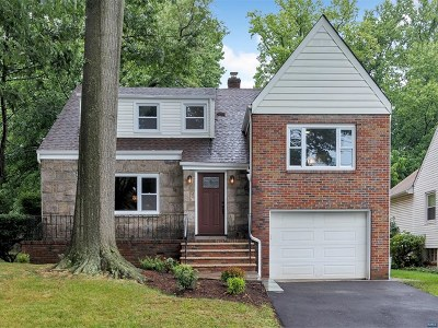 Teaneck Single Family Home For Sale: 99 West Forest Avenue
