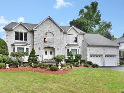 Paramus Single Family Home For Sale: 63 Lilac Lane