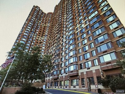 Fort Lee Condo/Townhouse For Sale: 100 Old Palisade Road #1003