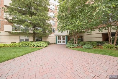 Edgewater Condo/Townhouse For Sale: 200 Grand Cove Way #2gn