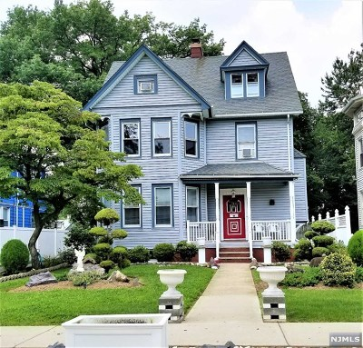 Englewood Single Family Home For Sale: 76 Knickerbocker Road