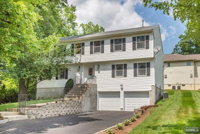 Paramus Single Family Home For Sale: 38 Bluebell Court