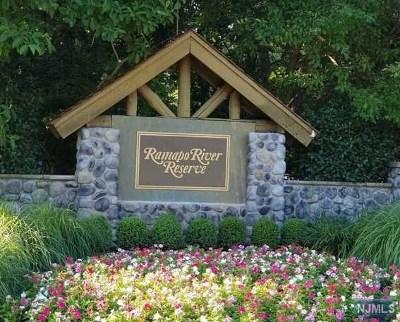 Oakland Condo/Townhouse For Sale: 66 Ramapo River Trace