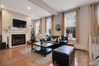 Hoboken Condo/Townhouse For Sale: 159 Newark Street #2b