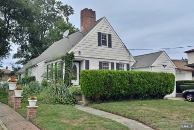 Hackensack Single Family Home For Sale: 229 Louis Street