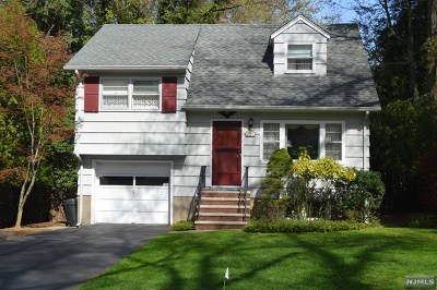 Closter Single Family Home For Sale: 61 Taillon Terrace