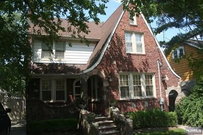 Teaneck Single Family Home For Sale: 201 Sherman Avenue