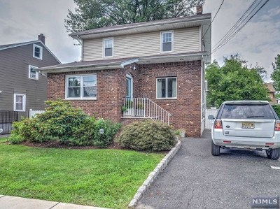 Teaneck Single Family Home For Sale: 302 Pleasant Place