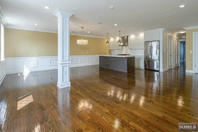 Jersey City Condo/Townhouse For Sale: 304 Pavonia Avenue #203