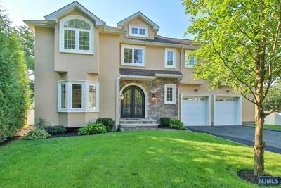 Waldwick Single Family Home For Sale: 4 Phelan Court