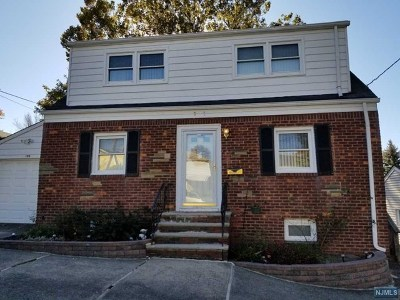 Hackensack Single Family Home For Sale: 399 Kaplan Avenue