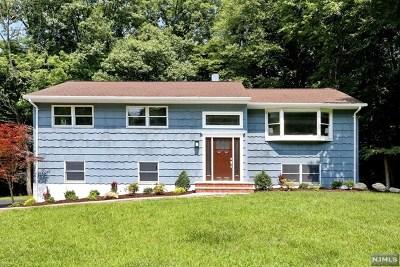 Oakland Single Family Home For Sale: 73 Chuckanutt Drive