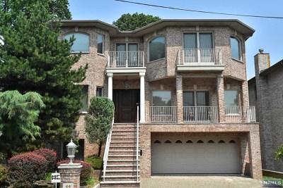 Cliffside Park Single Family Home For Sale: 11 Grant Avenue