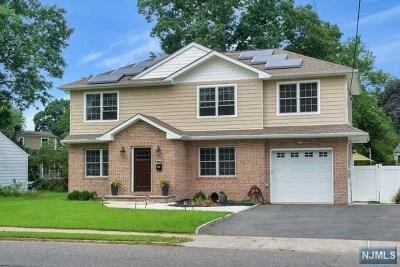 Fair Lawn Single Family Home For Sale: 31-11 Morlot Avenue