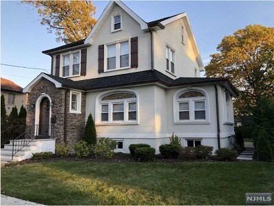 Cliffside Park Single Family Home For Sale: 554 Brandon Place